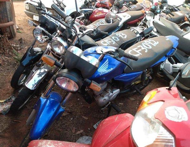 Lote 326 - LEILÃO EXTRAJUDICIAL DO DEPARTAMENTO DE TRÂNSITO DE MATO GROSSO DO SUL – DETRAN/MS – ÁGUA CLARA, APARECIDA DO TABOADO, BATAGUASSU, BRASILÂNDIA, SANTA RITA DO PARDO E TRÊS LAGOAS/MS (LOTES 301 AO 469)