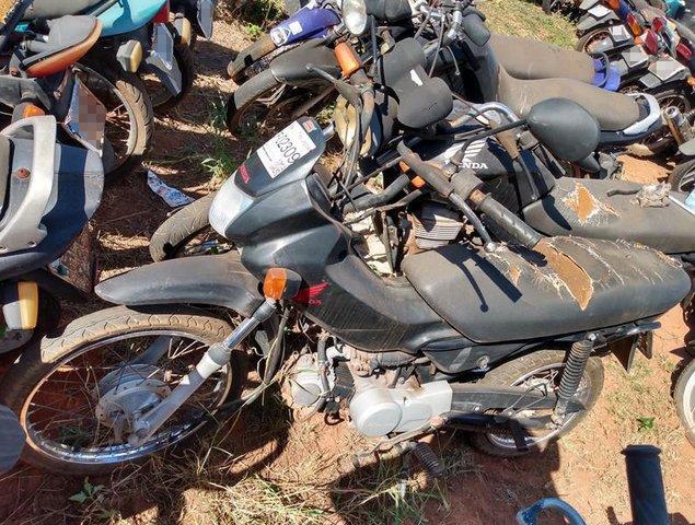 Lote 442 - LEILÃO EXTRAJUDICIAL DO DEPARTAMENTO DE TRÂNSITO DE MATO GROSSO DO SUL – DETRAN/MS – ÁGUA CLARA, APARECIDA DO TABOADO, BATAGUASSU, BRASILÂNDIA, SANTA RITA DO PARDO E TRÊS LAGOAS/MS (LOTES 301 AO 469)